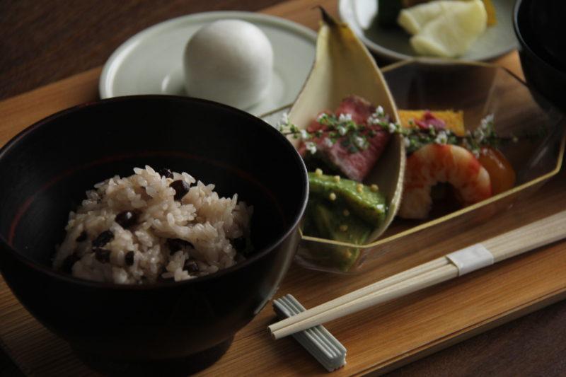 赤飯と季節を彩る御料理